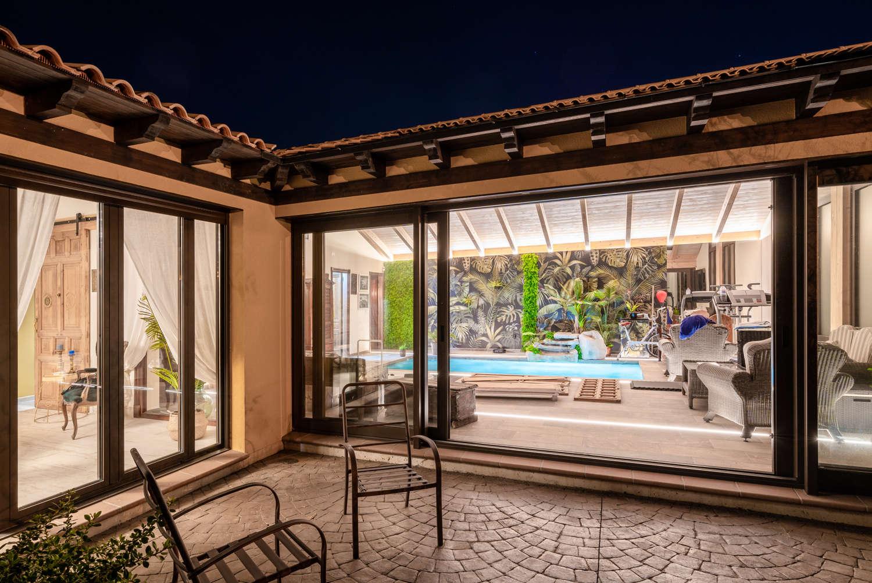 Casa Mansiga patio