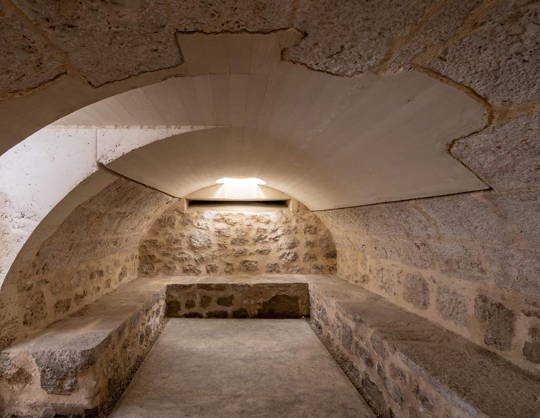 Iglesia de Nuestra Sra. de las Angustias cripta