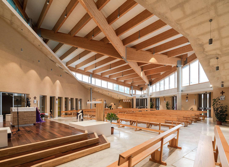 Iglesia Nuestra Señora del Lourdes interior 2